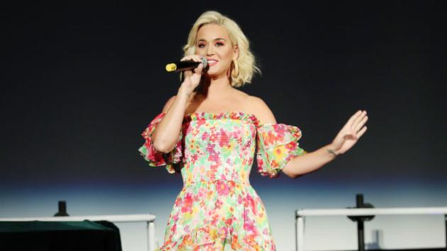 Katy Perry cantó por primera vez en vivo su tema 'Never really over'