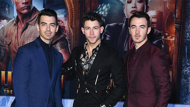'Like it's Christmas' de los Jonas Brothers trepa al primer lugar del Billboard