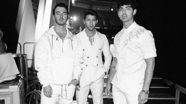 Los Jonas Brothers interpretaron 'Cool' en la final de 'The Voice'