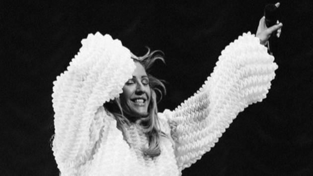 'Love me like you do' de Ellie Goulding supera los 2 mil millones de vistas