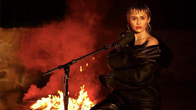 Miley Cyrus sorprende al interpretar 'Wish you were here' de Pink Floyd