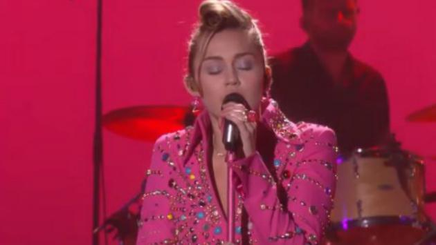 Mira a Miley Cyrus cantar 'Younger Now' en 'The Ellen Show' [VIDEO]