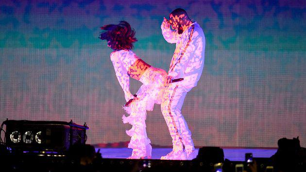 Brit Awards 2016: ¡Rihanna realizó provocador 'twerking' a Drake en vivo! [FOTOS + VIDEO]