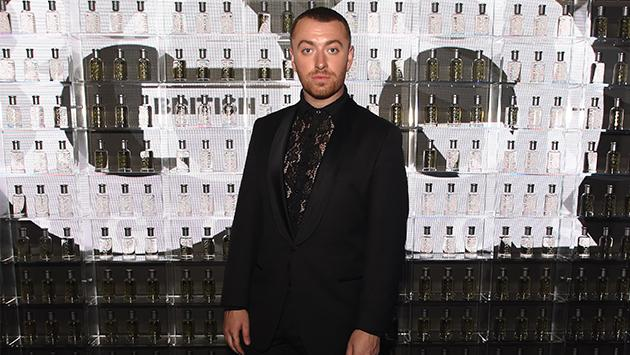 Sam Smith brilla, literalmente, en su Instagram