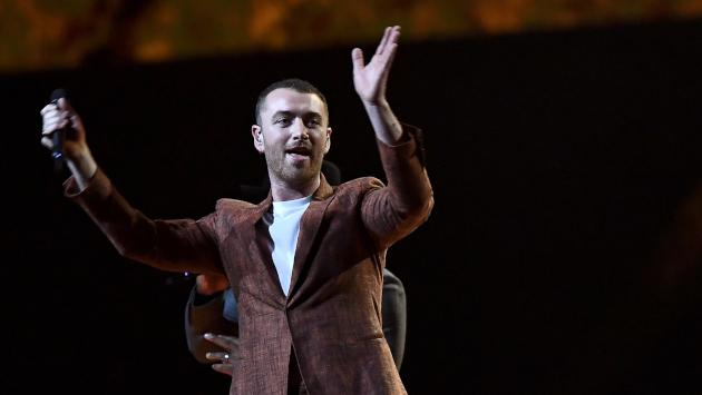 ¡Sam Smith orgulloso de su nueva figura!
