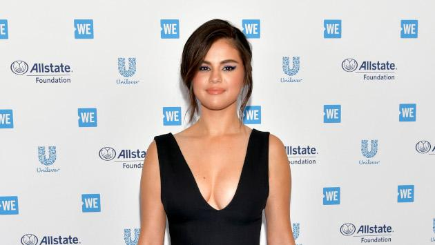 Selena Gomez luce hermosa en la alfombra roja de We Day California