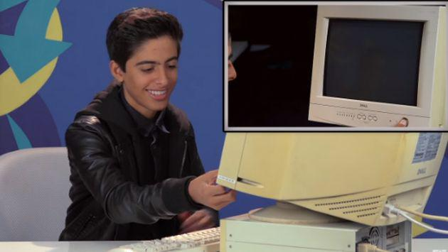 ¡La reacción de estos adolescentes al usar una computadora con Windows 95 es divertidísima! [VIDEO]