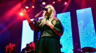 Ellie Goulding estrena su nuevo tema 'Do you remember'