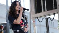 Lauren Jauregui interpreta 'Video games' de Lana del Rey en una fiesta previa a los Grammy