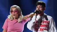 Louis Tomlinson y Bebe Rexha se encontraron en los Teen Choice Awards